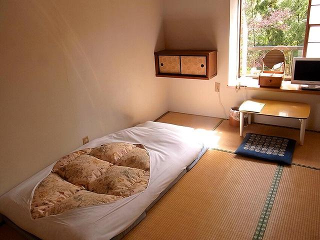 Tại sao người Nhật Bản thường ngủ trên sàn nhà? - Ảnh 1.