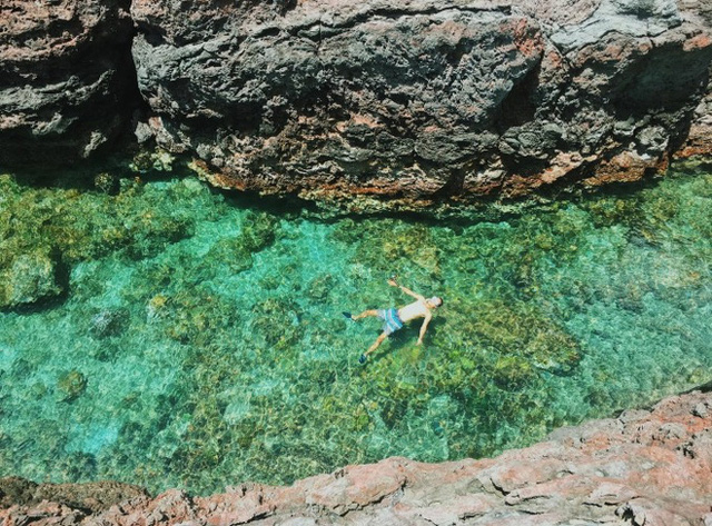 Lộ diện thêm 1 hồ bơi giữa biển đẹp xuất sắc ở Việt Nam, đến cả dân du lịch lâu năm cũng chưa chắc biết - Ảnh 5.