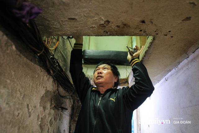 Người đàn ông sống trong hộp diêm giữa phố cổ Hà Nội và ước mơ một ngày được đứng vươn vai trong chính ngôi nhà của mình - Ảnh 3.