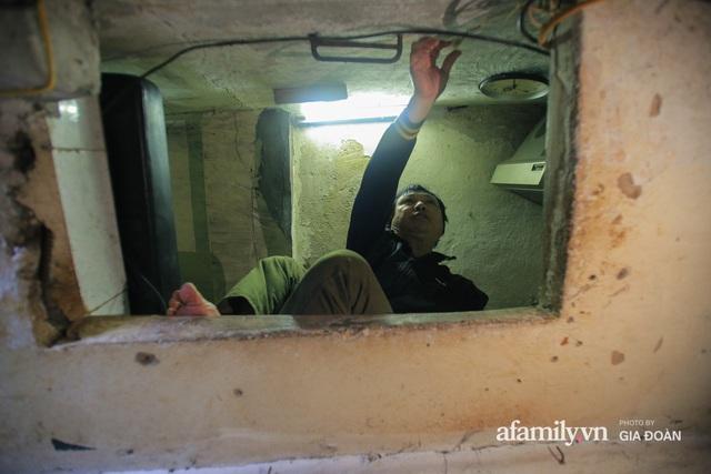 Người đàn ông sống trong hộp diêm giữa phố cổ Hà Nội và ước mơ một ngày được đứng vươn vai trong chính ngôi nhà của mình - Ảnh 4.