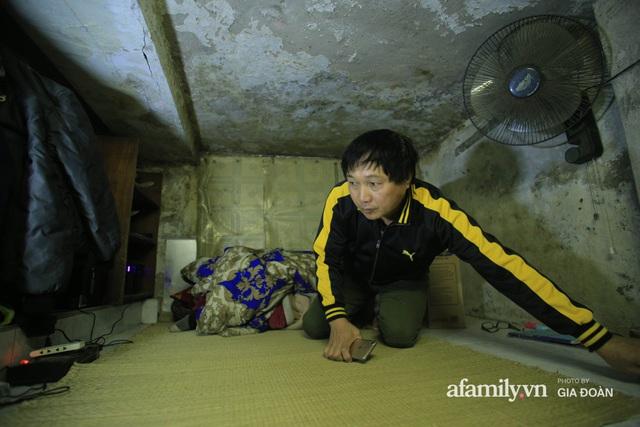 Người đàn ông sống trong hộp diêm giữa phố cổ Hà Nội và ước mơ một ngày được đứng vươn vai trong chính ngôi nhà của mình - Ảnh 5.