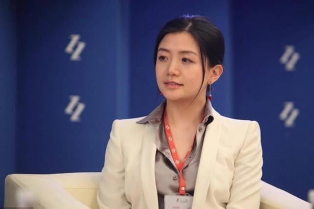 """Người phụ nữ đứng đằng sau Jack Ma, xinh xắn, giỏi giang nhưng vẫn độc thân: tiêu chuẩn chọn bạn đời là """"đừng làm ảnh hưởng tới công việc"""" - Ảnh 1."""