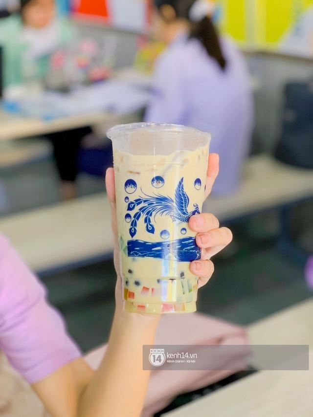 Tiệm trà sữa chảnh nhất Sài Gòn: Ai mua nhiều quá thì hổng bán, uống có ngon không mà phải xếp hàng mệt dữ vậy? - Ảnh 18.