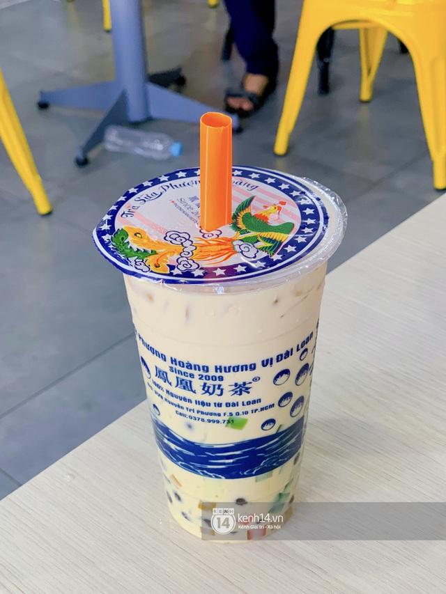 Tiệm trà sữa chảnh nhất Sài Gòn: Ai mua nhiều quá thì hổng bán, uống có ngon không mà phải xếp hàng mệt dữ vậy? - Ảnh 19.