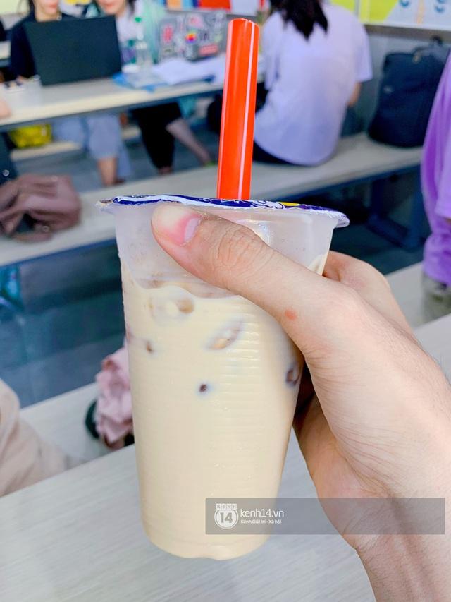 Tiệm trà sữa chảnh nhất Sài Gòn: Ai mua nhiều quá thì hổng bán, uống có ngon không mà phải xếp hàng mệt dữ vậy? - Ảnh 23.