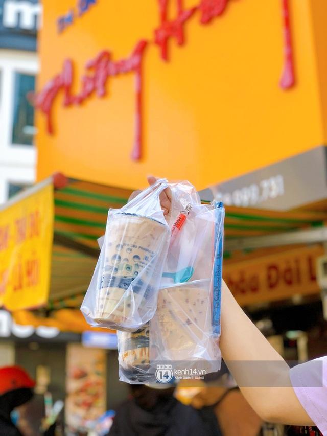 Tiệm trà sữa chảnh nhất Sài Gòn: Ai mua nhiều quá thì hổng bán, uống có ngon không mà phải xếp hàng mệt dữ vậy? - Ảnh 5.