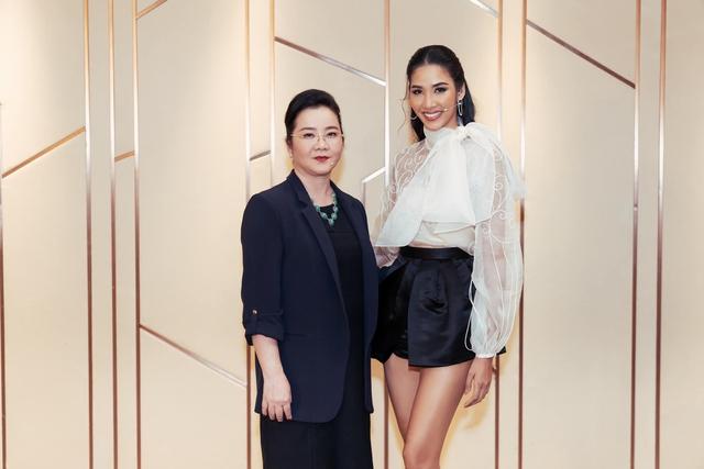 Đọ sắc những bà mẹ đại gia của hội rich kid: Bà trùm hàng hiệu Thủy Tiên sở hữu thần thái đỉnh cao, mẹ Phan Thành bí ẩn nhất Sài thành - Ảnh 7.