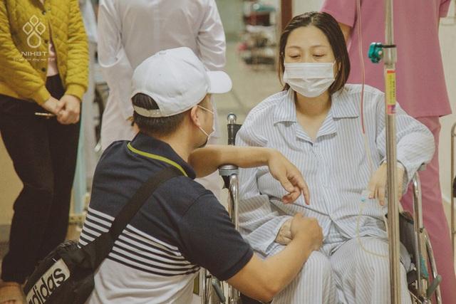 Cô giáo Hà Nội mắc ung thư ở tháng cuối thai kì, được hàng ngàn người kêu gọi hiến máu: Các bạn trẻ hãy trân trọng sức khỏe nhiều hơn - Ảnh 2.