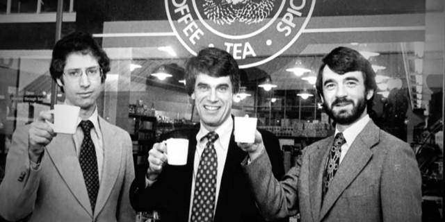 """Hành trình từ con số 0 đến thương hiệu """"Starbucks"""" tỷ đô của Howard Schultz: Được học đại học nhưng phải bỏ ngang, có khi phải bán máu để sống qua ngày, thành công gói gọn trong hai gạch đầu dòng - Ảnh 2."""