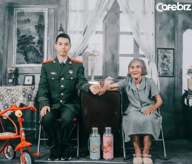 Bức ảnh cô dâu kém chú rể 61 tuổi gây sốt cộng đồng mạng. Câu chuyện đằng sau khiến nhiều người không cầm lòng được bật khóc - Ảnh 2.