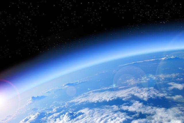 Các nhà khoa học đã tính toán được thời điểm bầu khí quyển Trái đất sẽ cạn sạch khí ôxy - Ảnh 1.