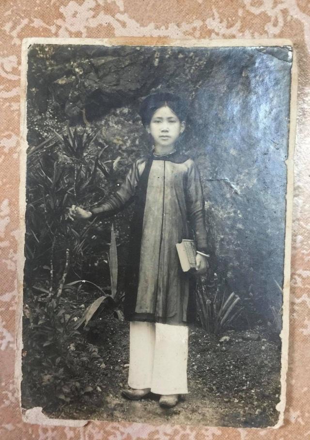 Gặp cụ bà 100 tuổi ở Hà Nội gây sốt bởi nhan sắc trong đám cưới thời trẻ: Sinh ra tại Pháp, từng được mệnh danh là hoa khôi của vùng - Ảnh 1.