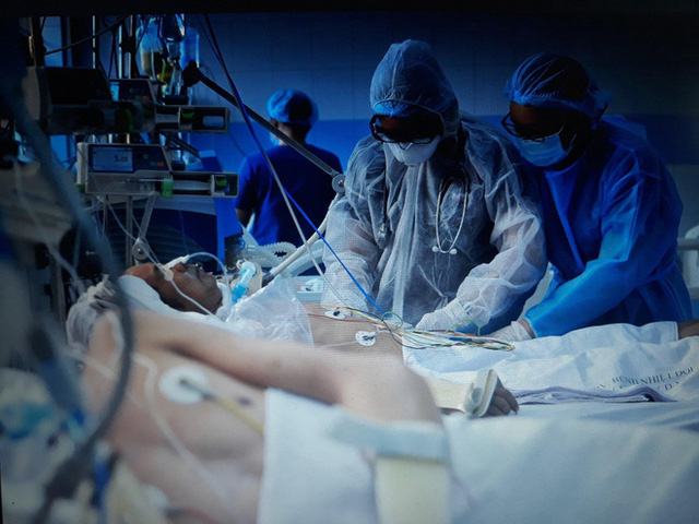 """Nữ bác sĩ được tiêm vắc xin ngừa Covid-19 đầu tiên tại TP.HCM: """"Đây là món quà 8/3 ý nghĩa nhất mà mình nhận được"""" - Ảnh 2."""