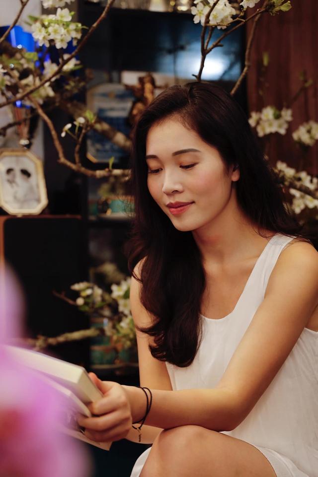 Bà xã Shark Hưng xinh đẹp mơ màng bên hoa lê đón ngày 8/3, nhưng câu chốt của vị tổng tài U50 mới khiến dân tình phát sốt - Ảnh 4.