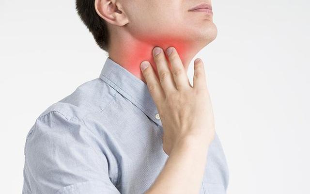 Biết rõ dấu hiệu ung thư vòm họng giai đoạn đầu, cơ hội sống sót lên tới 72%: Đâu là cách phòng ngừa? - Ảnh 2.