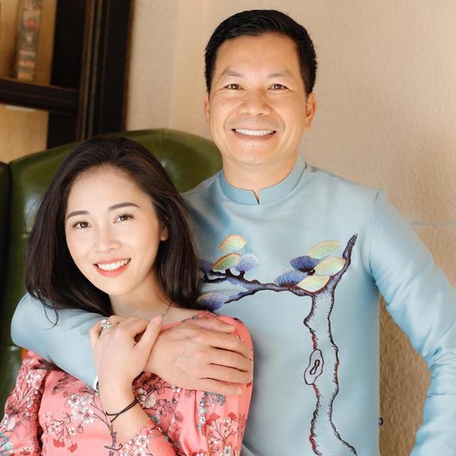 Bà xã Shark Hưng xinh đẹp mơ màng bên hoa lê đón ngày 8/3, nhưng câu chốt của vị tổng tài U50 mới khiến dân tình phát sốt - Ảnh 6.