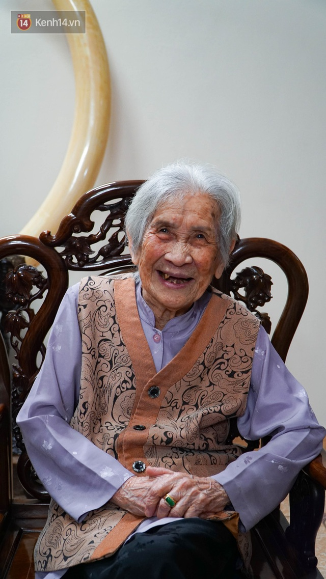 Gặp cụ bà 100 tuổi ở Hà Nội gây sốt bởi nhan sắc trong đám cưới thời trẻ: Sinh ra tại Pháp, từng được mệnh danh là hoa khôi của vùng - Ảnh 7.