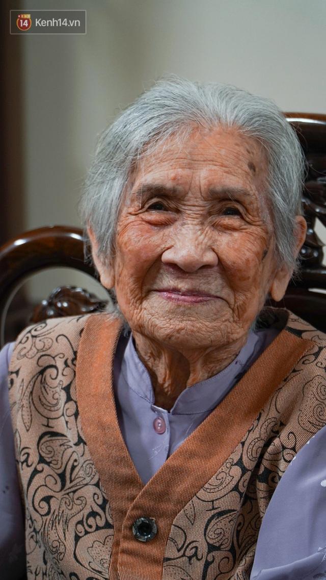 Gặp cụ bà 100 tuổi ở Hà Nội gây sốt bởi nhan sắc trong đám cưới thời trẻ: Sinh ra tại Pháp, từng được mệnh danh là hoa khôi của vùng - Ảnh 8.