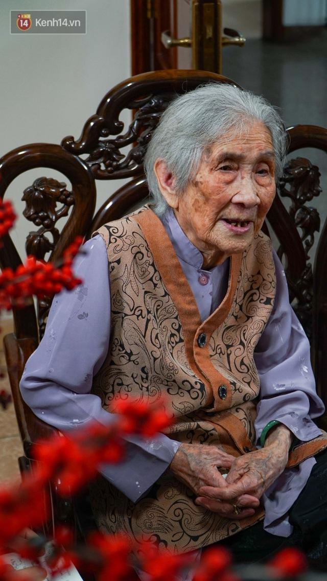 Gặp cụ bà 100 tuổi ở Hà Nội gây sốt bởi nhan sắc trong đám cưới thời trẻ: Sinh ra tại Pháp, từng được mệnh danh là hoa khôi của vùng - Ảnh 9.