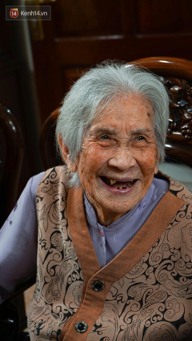 Gặp cụ bà 100 tuổi ở Hà Nội gây sốt bởi nhan sắc trong đám cưới thời trẻ: Sinh ra tại Pháp, từng được mệnh danh là hoa khôi của vùng - Ảnh 10.