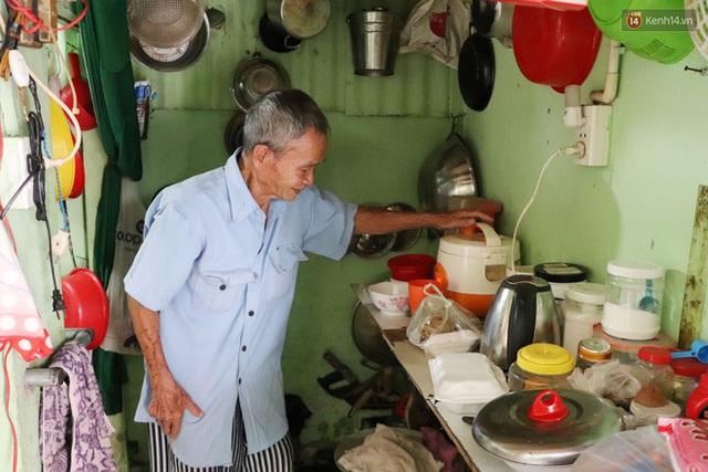 60 năm làm vợ chồng, ông vẫn giặt đồ, tắm gội cho bà lúc ốm đau, bệnh tật: Tui không có con, cả đời này có mình bả thôi - Ảnh 15.