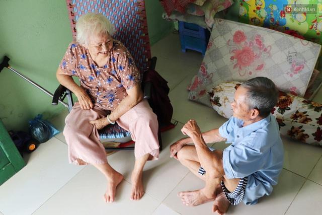 60 năm làm vợ chồng, ông vẫn giặt đồ, tắm gội cho bà lúc ốm đau, bệnh tật: Tui không có con, cả đời này có mình bả thôi - Ảnh 17.