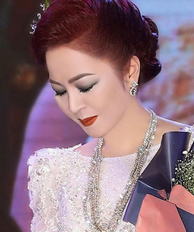Dân mạng lan truyền đoạn hội thoại bà Nguyễn Phương Hằng khóc lóc, nói lời yêu đương với ông Võ Hoàng Yên!? - Ảnh 1.