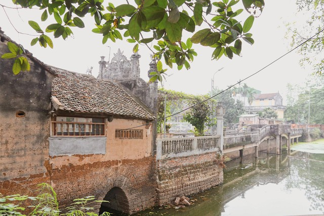 Cận cảnh cây cầu 'độc nhất vô nhị' tại Hà Nội  - Ảnh 1.