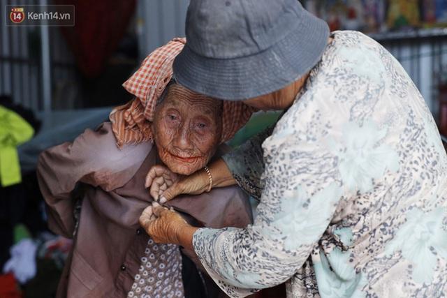 Về miền Tây nghe cụ Út hài hước kể chuyện một đời lo chữ hiếu: Tui đợi má mất thì sẽ lấy chồng, dè đâu má thọ 100 tuổi - Ảnh 6.