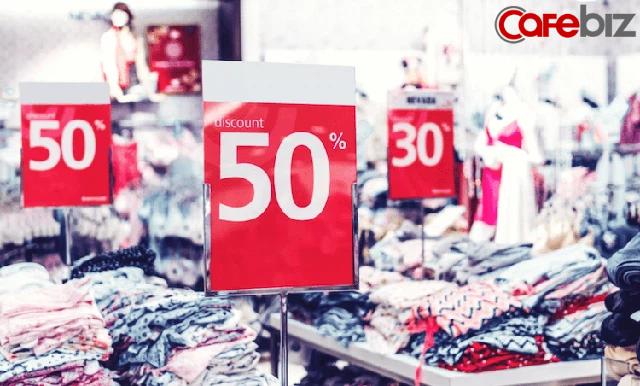 Điều tôi học được từ cha mẹ 'ki bo': Đừng bao giờ mua thứ gì đó chỉ vì nó đang giảm giá - Ảnh 1.