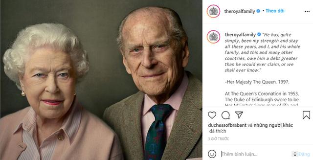 Một ngày sau khi Hoàng tế Philip qua đời, Nữ hoàng Anh có động thái đầu tiên khiến nhiều người rơi nước mắt - Ảnh 1.