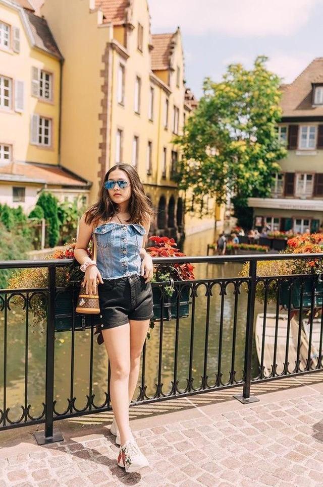 Rich kid nhà Phượng Chanel: Sinh năm 2003, hiện du học ở Mỹ, nói tiếng Anh tự tin đè bẹp... Vũ Khắc Tiệp - Ảnh 4.