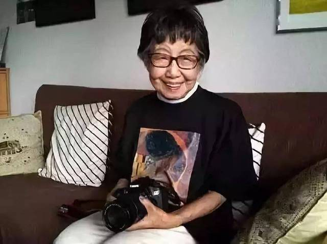 71 tuổi đi làm, 102 tuổi đoạt giải thưởng, 106 tuổi vẫn rất nho nhã và thiếu nữ: ai nói tôi già, tôi vẫn còn trẻ chán! - Ảnh 2.