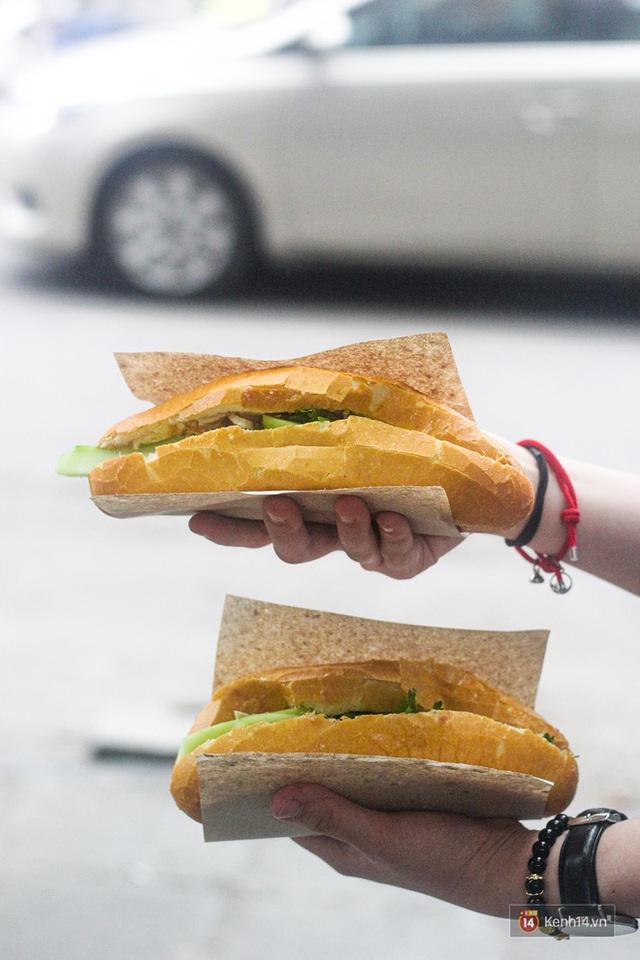 Hàng bánh mì kiêu chảnh nhất Hà Nội nhưng khách xếp hàng nườm nượp: Có gì mà hot quá vậy? - Ảnh 6.
