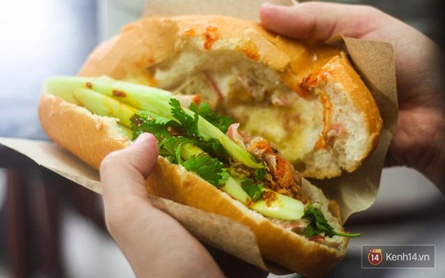 Hàng bánh mì kiêu chảnh nhất Hà Nội nhưng khách xếp hàng nườm nượp: Có gì mà hot quá vậy? - Ảnh 7.