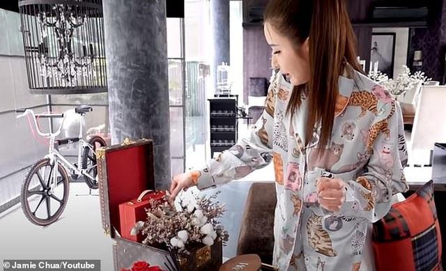Bóc giá đồ decor nhà của bà hoàng Hermès: Món gì cũng đắt khủng khiếp, một góc nhỏ đã tốn cả tỷ đồng - Ảnh 1.