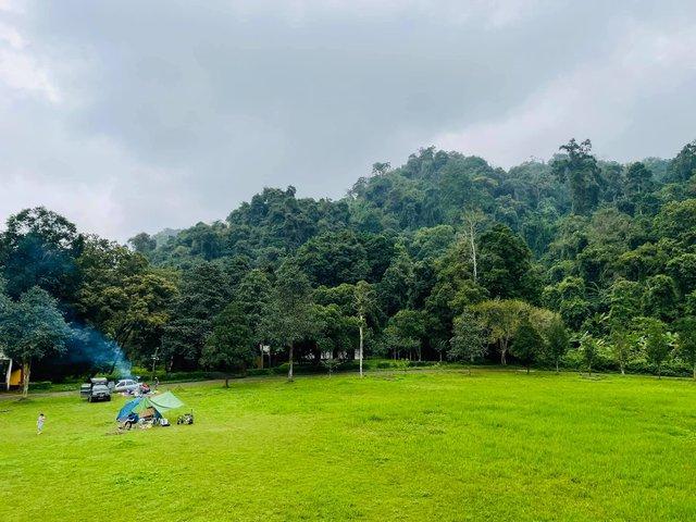 Nếu muốn thử Camping mà chưa biết chọn nơi nào để cắm lều thì đây là những địa điểm vừa hot lại đẹp từ Nam ra Bắc phải thử đến 1 lần - Ảnh 18.