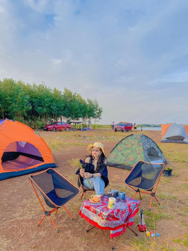Nếu muốn thử Camping mà chưa biết chọn nơi nào để cắm lều thì đây là những địa điểm vừa hot lại đẹp từ Nam ra Bắc phải thử đến 1 lần - Ảnh 24.