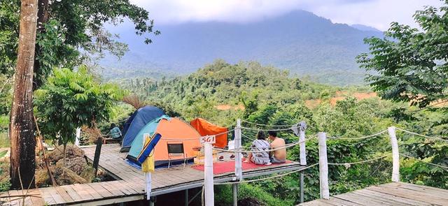 Nếu muốn thử Camping mà chưa biết chọn nơi nào để cắm lều thì đây là những địa điểm vừa hot lại đẹp từ Nam ra Bắc phải thử đến 1 lần - Ảnh 9.
