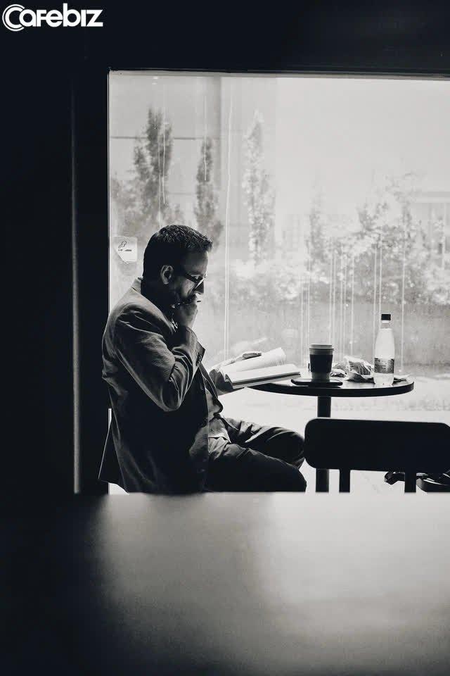 10 sai lầm chúng ta vô tình mắc phải trong cuộc sống nhưng khiến cuộc đời lụn bại: Bắt chước người thành công, quyết định lúc nửa đêm... - Ảnh 1.