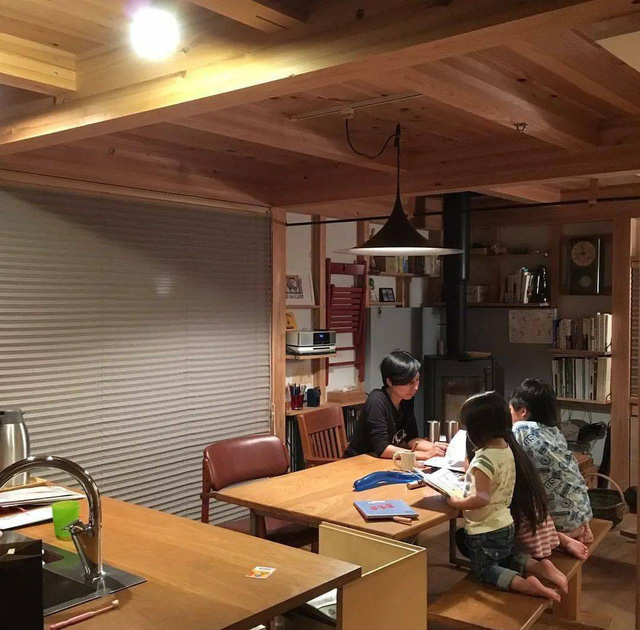 Từ thành phố chuyển về nông thôn ở nhà gỗ, gia đình Nhật Bản biến cuộc sống bình thường trở thành thiên đường!  - Ảnh 19.