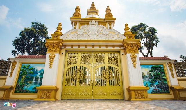 Cận cảnh tòa lâu đài 10 tỷ đồng của ông chủ lò gạch ở Hưng Yên: Tự tay thiết kế, ăn dè hà tiện mới có - Ảnh 3.
