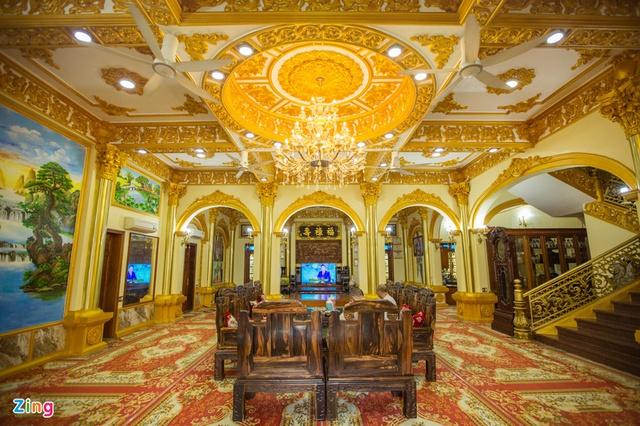 Cận cảnh tòa lâu đài 10 tỷ đồng của ông chủ lò gạch ở Hưng Yên: Tự tay thiết kế, ăn dè hà tiện mới có - Ảnh 7.