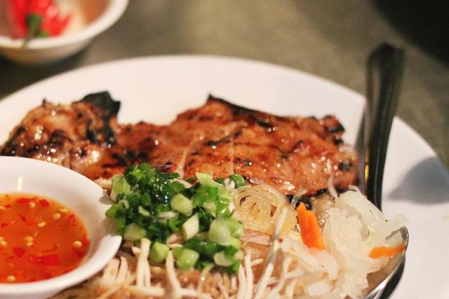 Sài Gòn có 10 quán nhìn thì bình dân nhưng giá đắt xắt ra miếng, thực khách đến ăn lần đầu đảm bảo ai cũng sốc nhẹ - Ảnh 12.