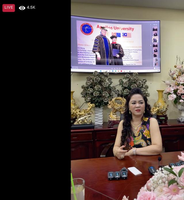 Bà Phương Hằng - vợ ông Dũng lò vôi chỉ đích danh nghệ sĩ Hoài Linh, thẳng thắn nhắn nhủ Trang Khàn: Em có chửi chị thêm 1000 lần nữa thì em vẫn là con Trang Khàn, cái con đi bán đồ online thôi! - Ảnh 6.