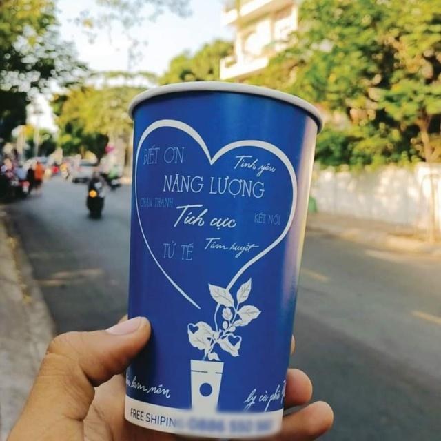 Chiêu PR cao tay của quán take away Sài Gòn: Mỗi ly cà phê đính kèm một lời chúc viết tay - Ảnh 4.