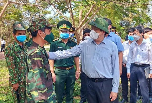 Bác sĩ Chợ Rẫy khẩn cấp đi Kiên Giang hỗ trợ xây dựng bệnh viện dã chiến chống COVID-19  - Ảnh 3.