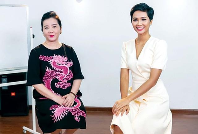 Mẹ vợ thiếu gia Phan Thành: Người phụ nữ quyền lực của ngôi trường dành cho hội con nhà giàu và ngôi sao - Ảnh 2.