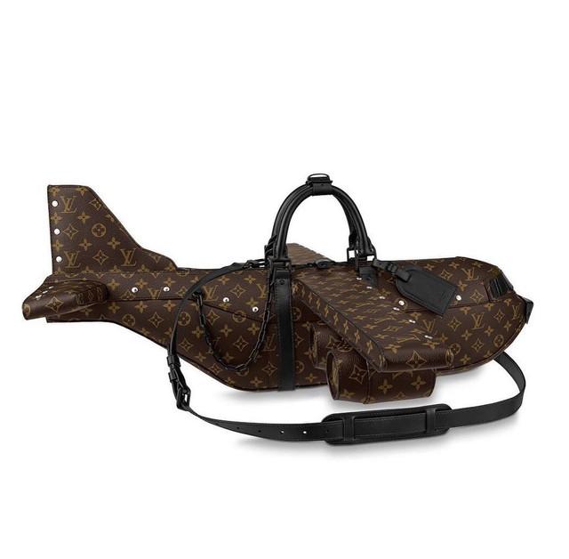 Túi xách hình máy bay giá 900 triệu VNĐ của Louis Vuitton bị cộng đồng mạng chê cười - Ảnh 3.
