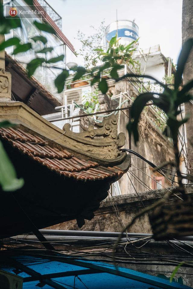 Ngôi nhà 80 năm tuổi, rộng gần 300m2 giữa phố cổ Hà Nội: Trả trăm tỷ không bán, bên trong có hầm chứa được 20 người - Ảnh 12.